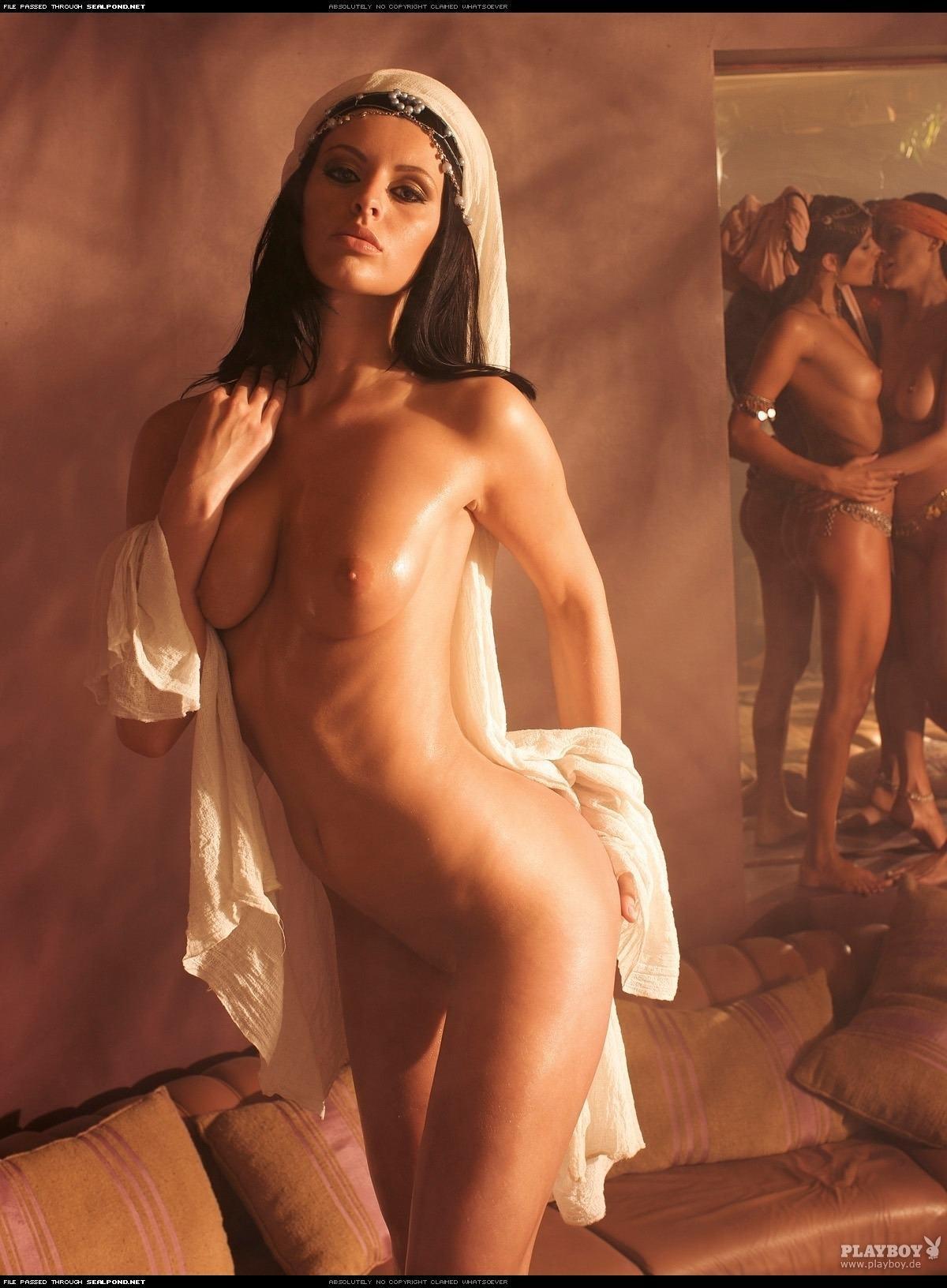 Сексуальные восточные девушки 3 фотография