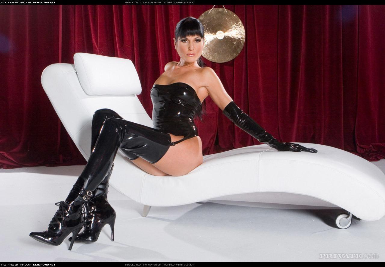 Тайская милашка в черном чулках порно 12 фотография