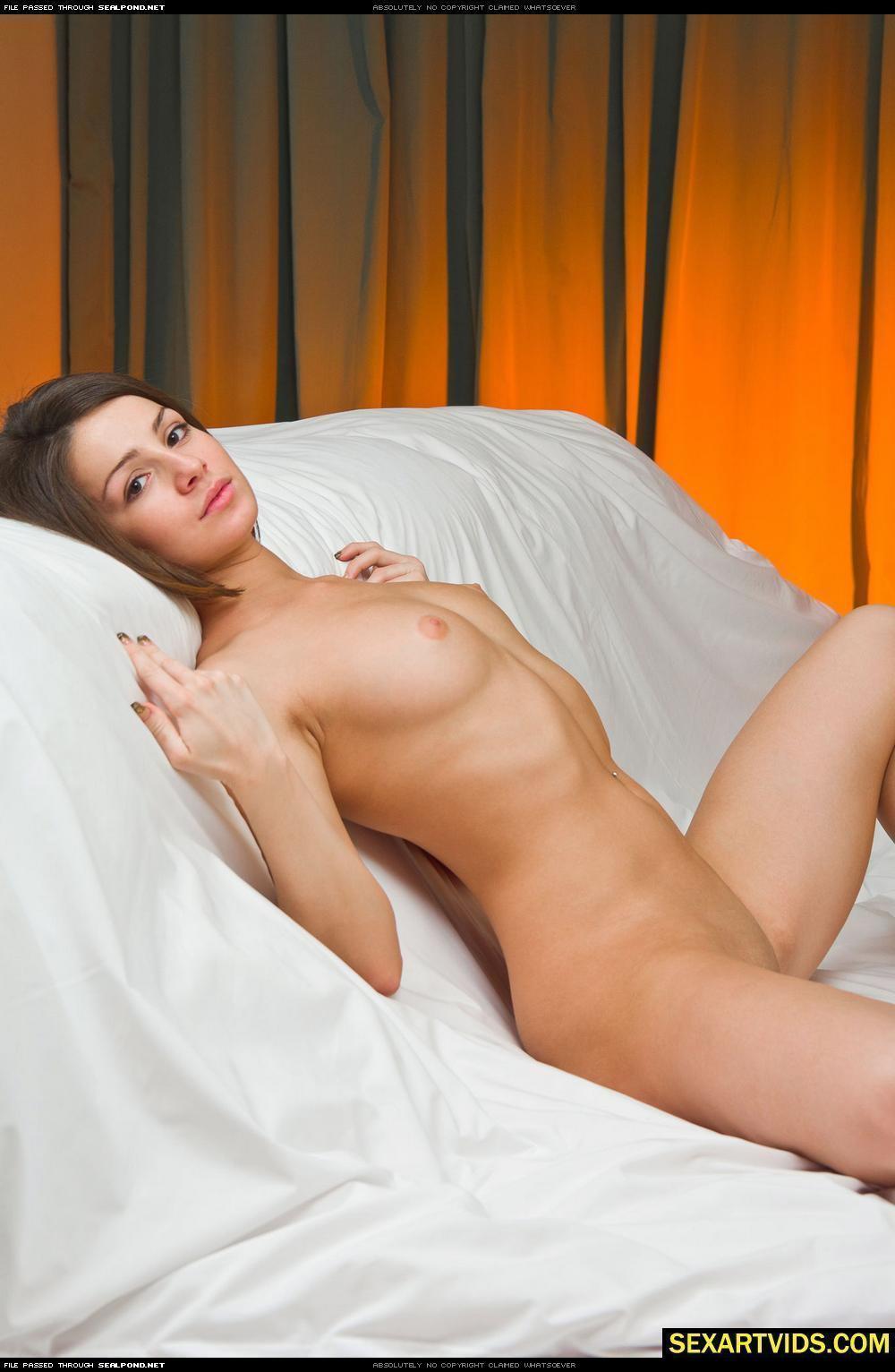Сучки с вибраторами порно 21 фотография