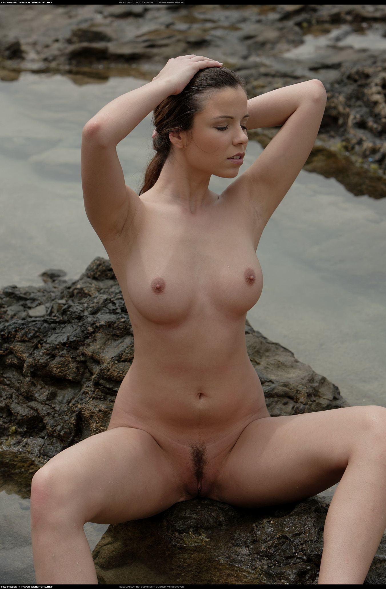 Фото голых русских девушек на пляже 14 фотография