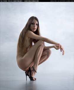 Фото голые высокие каблуки 82782 фотография