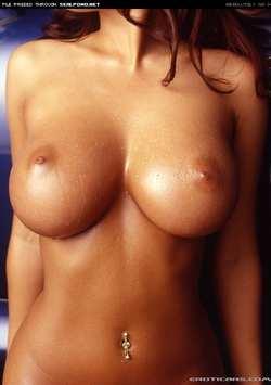 голые упругие сиськи фото