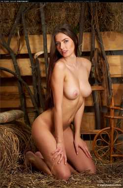 девка голые фото