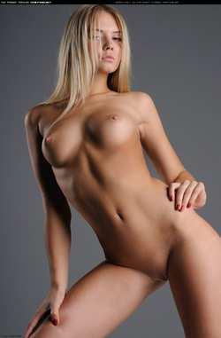 Голые девушки крассивые фото
