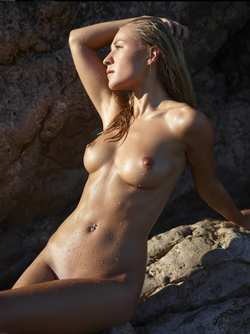 sealpond.net #130007 - candice b,nude,tits,wet - a higher resolution version at http://sealpond.net/130007